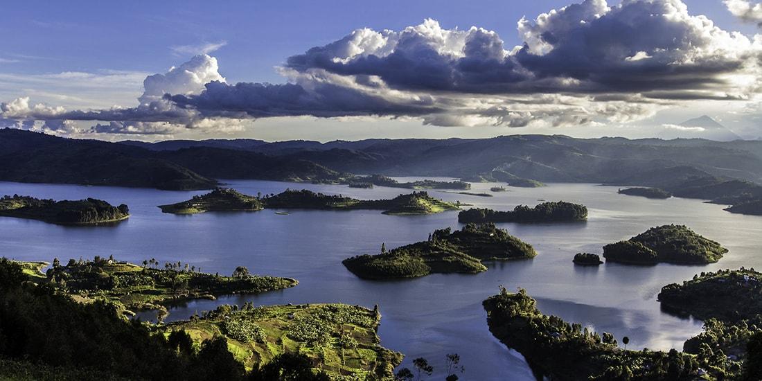 Lake Bunyonyi tour and gorilla trekking